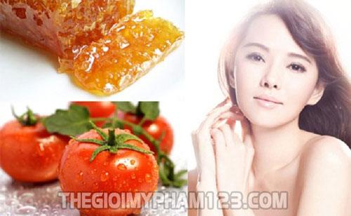 7 cách làm trắng da từ cà chua mật ong